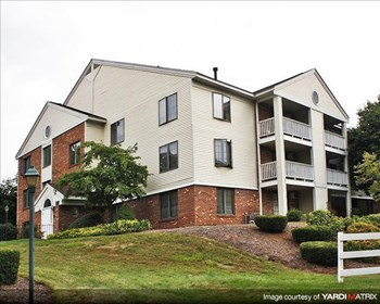 60 VILLAGE CIRCLE WAY MANCHESTER 2 Beds Apartment for Rent Photo Gallery 1