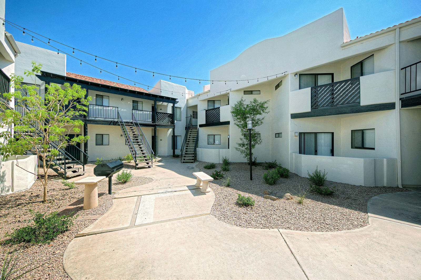 Villa Blanco_Tempe_AZ_Community Courtyards