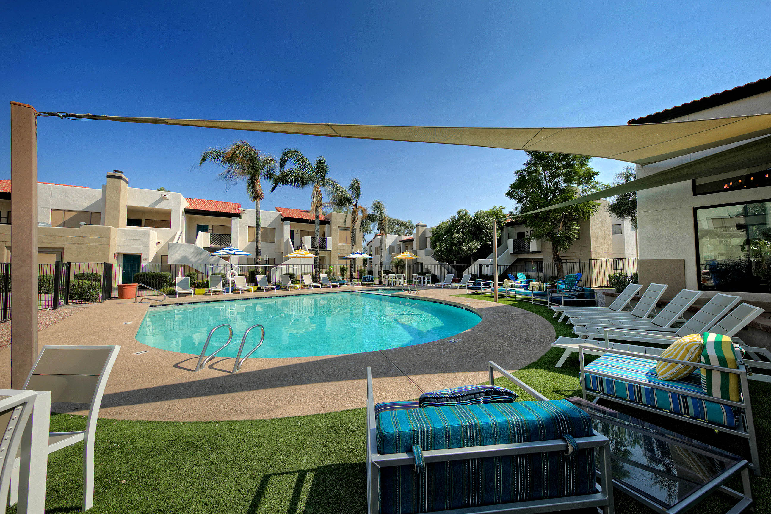 Villa Blanco_Tempe_AZ_Relaxing Pool