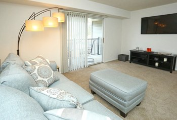 19300-19495 Northridge Dr. 1 Bed Apartment for Rent Photo Gallery 1