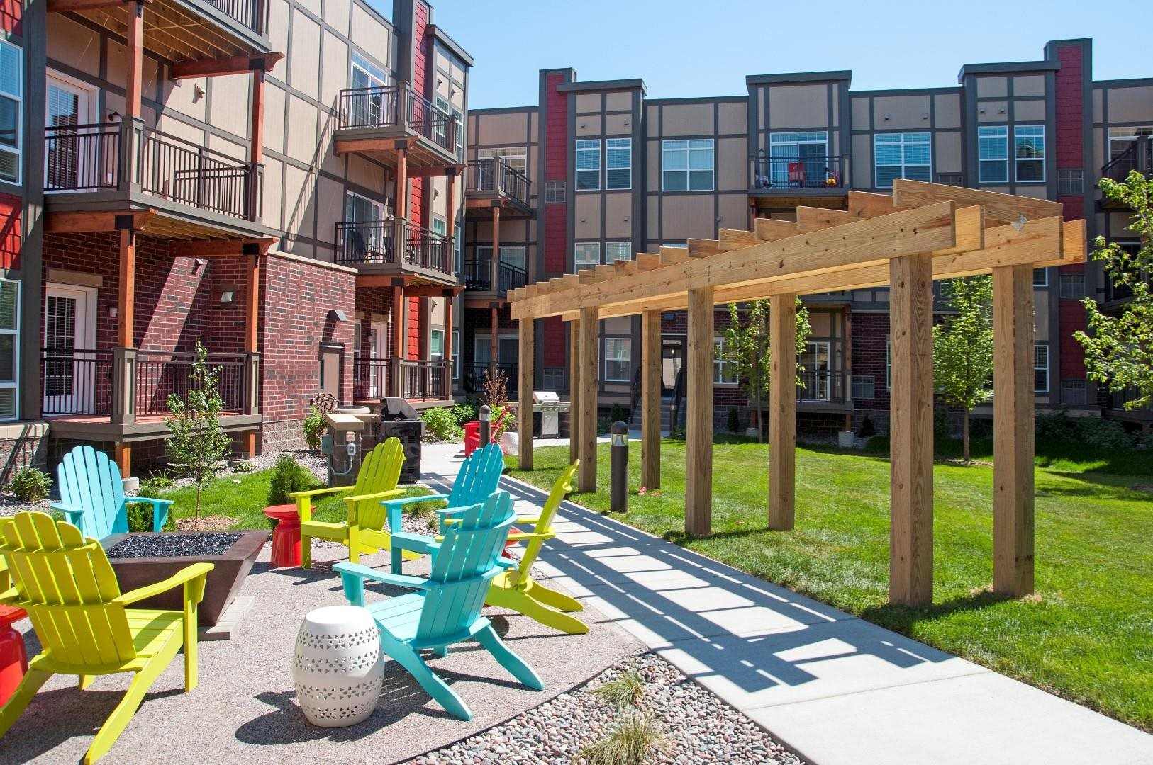 Outdoor Sitting Area at 5 Central Apartments, Osseo
