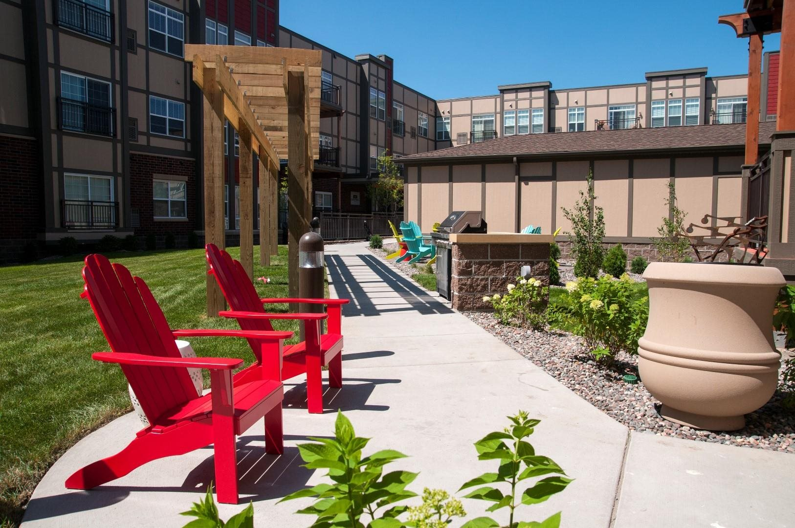 BBQ and Picnic Area at 5 Central Apartments, Minnesota