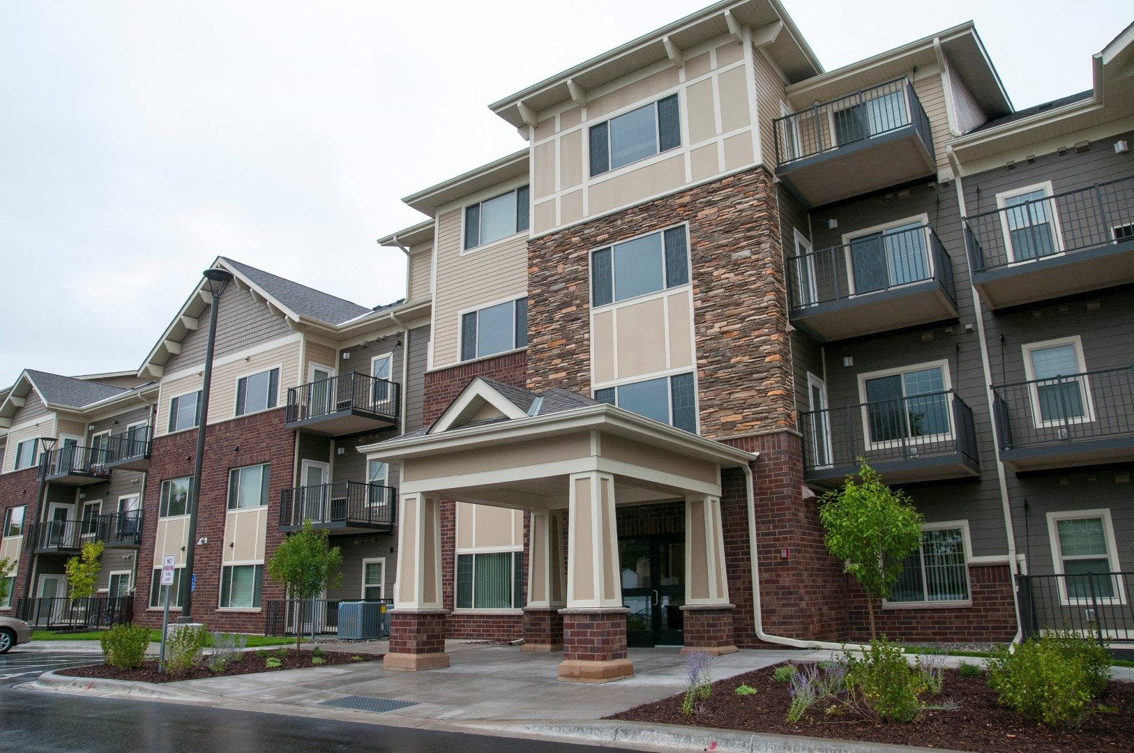 Compass Pointe Apartments New Hope Mn