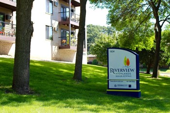 1834 S. Mississippi River Blvd 1-2 Beds Apartment for Rent Photo Gallery 1