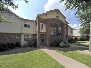 1600 Phyllis Street #401 1-2 Beds Apartment for Rent Photo Gallery 1