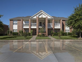 4097-1 Cadillac Drive 1-2 Beds Apartment for Rent Photo Gallery 1