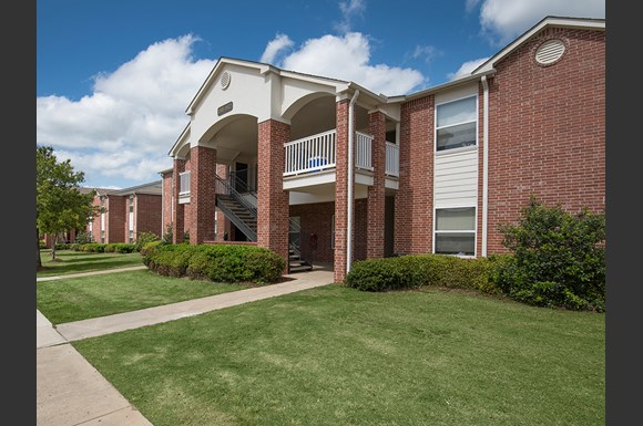 The Greens At Auburn Apartments 4315 Golf Club Drive 7901 Auburn