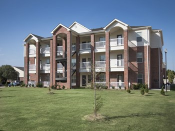 900 NE 122nd Street 1-2 Beds Apartment for Rent Photo Gallery 1