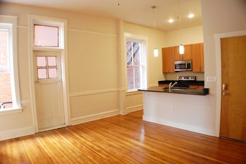 210 E. Clay Street 1-3 Beds Apartment for Rent Photo Gallery 1