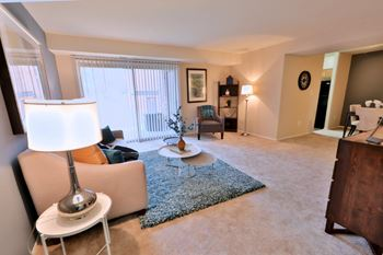 35-C  Mopec Circle 2 Beds Apartment for Rent Photo Gallery 1
