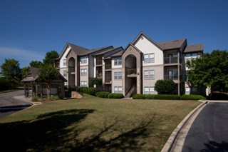 Renovated Apartment Homes Available at 150 Summit, Birmingham, AL,35243