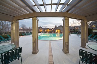 Pool and resident lounge at 150 Summit, Birmingham, AL,35243