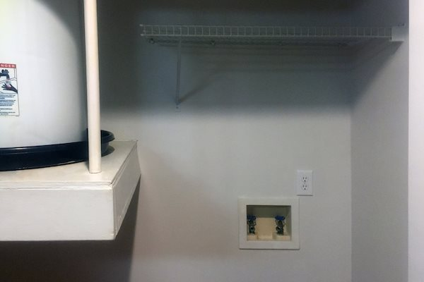 150 Summit, Birmingham, AL,35243 washer and dryer connections