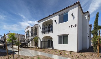 1137 N. Woodland Street 2 Beds Apartment for Rent Photo Gallery 1