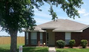 1100 CASTLEMAN DRIVE 3 Beds House for Rent Photo Gallery 1