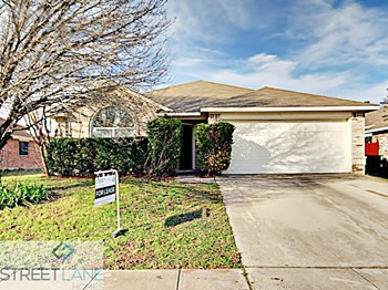 524 RYAN STREET 4 Beds House for Rent Photo Gallery 1