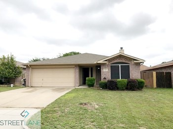 6320 LONGMONT TRAIL 3 Beds House for Rent Photo Gallery 1