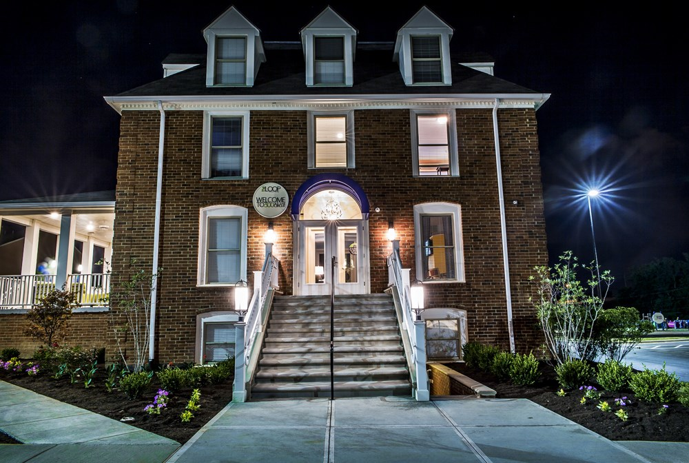 Beautiful clubhouse at 300 at the Circle Apartments in Lexington