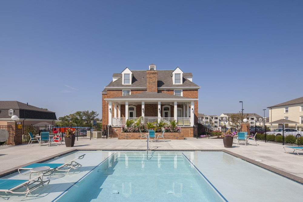 Pool and clubhouse at 300 at the Circle Apartments in Lexington, KY