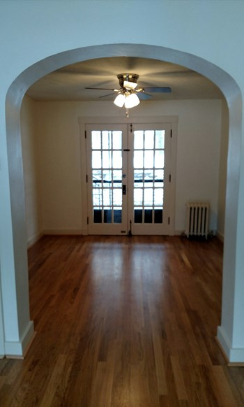 714 Shady Drive East 2 Beds Apartment for Rent Photo Gallery 1