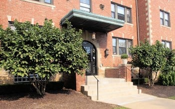 769 Shady Drive East 1-2 Beds Apartment for Rent Photo Gallery 1