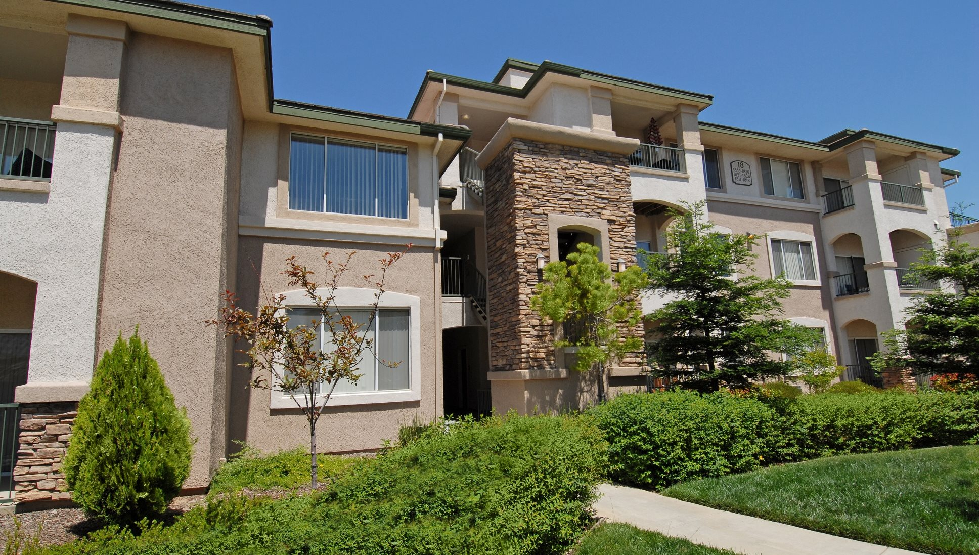 The Villages Of The Galleria Apartments In Roseville Ca