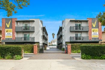 2652-2656 Ellendale Place 2 Beds Apartment for Rent Photo Gallery 1