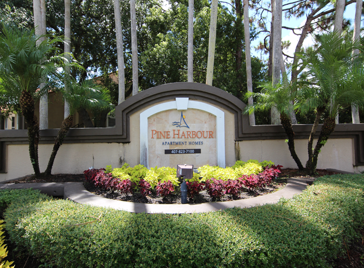 Pine-Harbour-Sign at Pine Harbour, Orlando, Florida