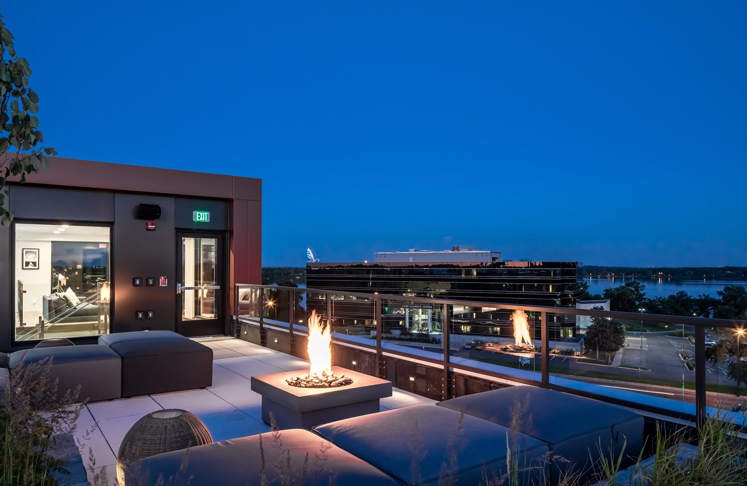 Foundry Lake Street Apartments Lifestyle - Rooftop Terrace