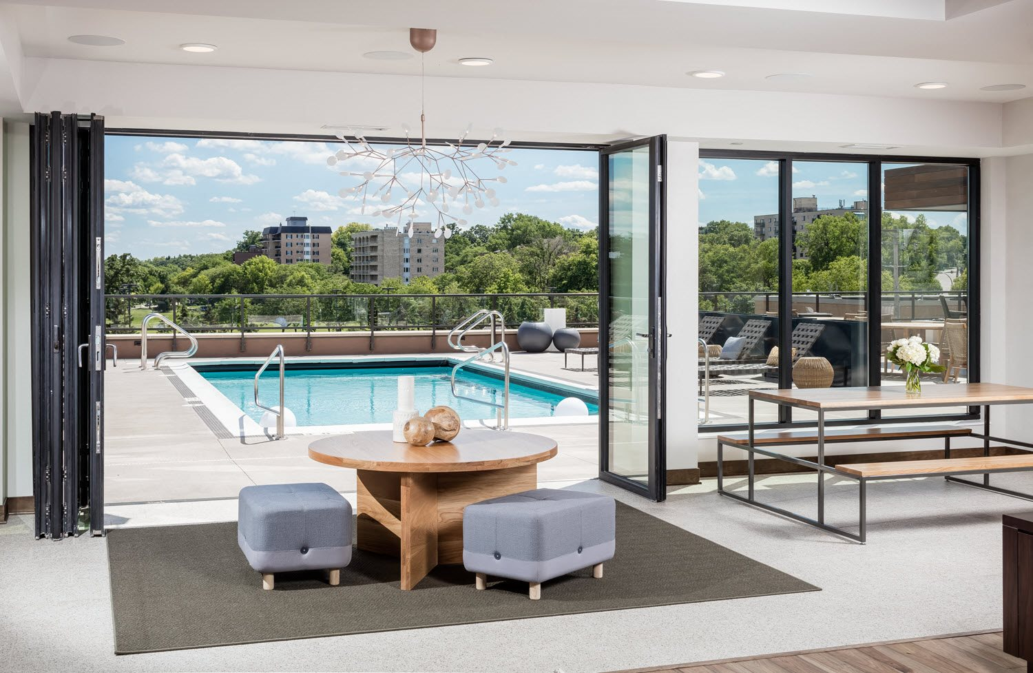 Club Room - Foundry Lake Street Apartments Lifestyle