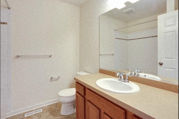 750 Robin Rd Amherst - Full Bath
