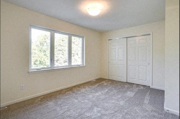 750 Robin Rd Amherst - Bedroom 2