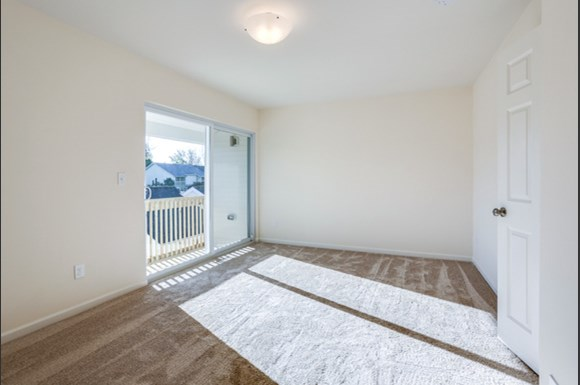 750 Robin Rd Amherst - Bedroom 1 with Balcony