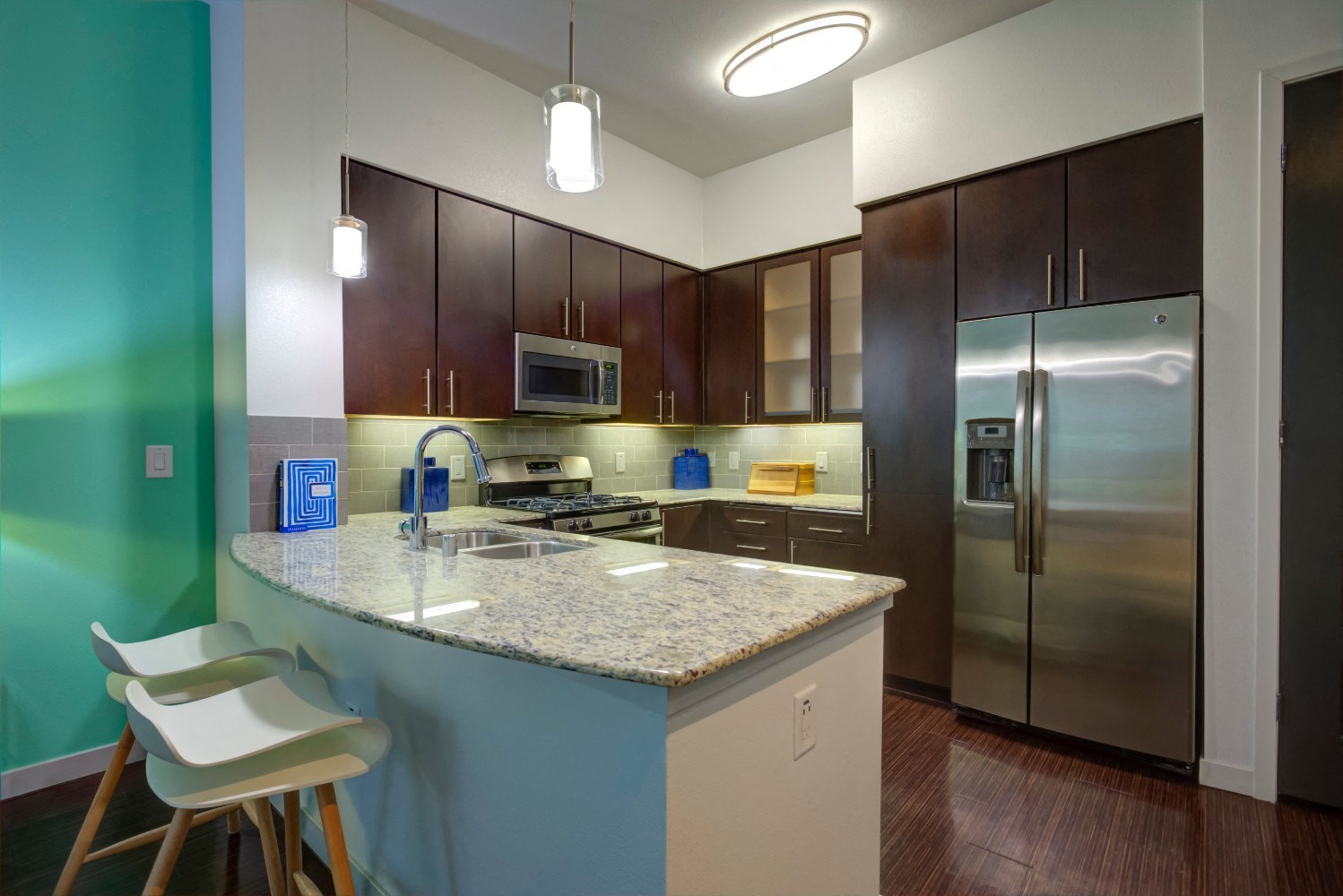Chic kitchens at Accent apartments, 5550 Grosvenor Blvd, 90066