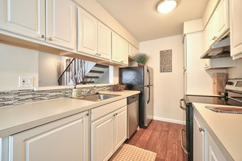 2897 NE Rene Ave 2 Beds Apartment for Rent Photo Gallery 1