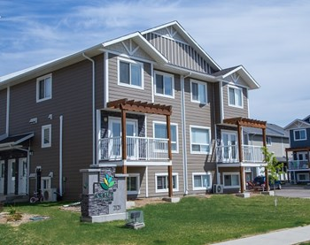 2121 Tracey Street 1-3 Beds Apartment for Rent Photo Gallery 1