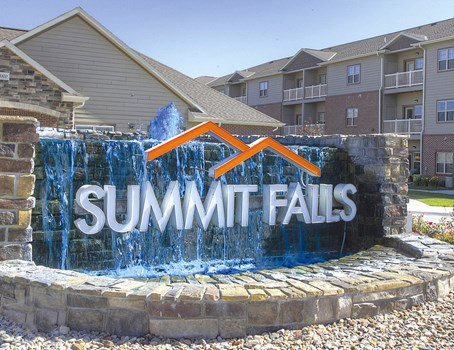 Summit Falls Community Thumbnail 1