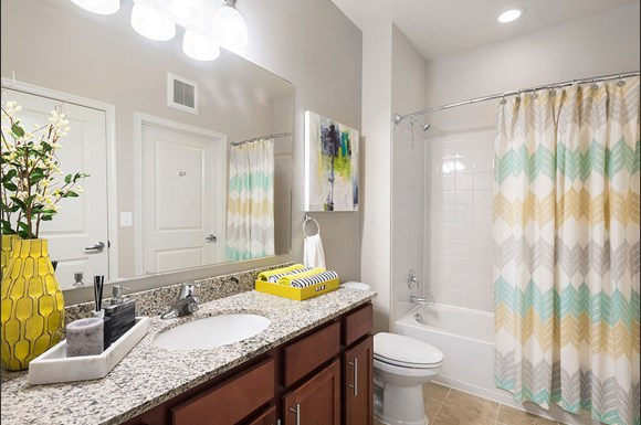 The flats at neabsco apartments 2701 neabsco common place - Bathroom remodeling woodbridge va ...