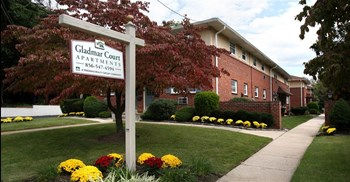 240 Highland Ave 1-2 Beds Apartment for Rent Photo Gallery 1