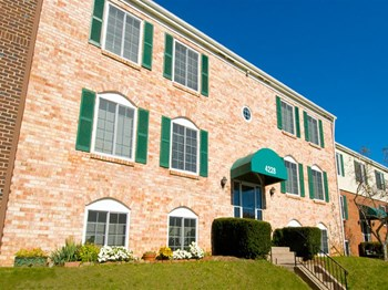 1008 Eaglecrest Court 1-2 Beds Apartment for Rent Photo Gallery 1