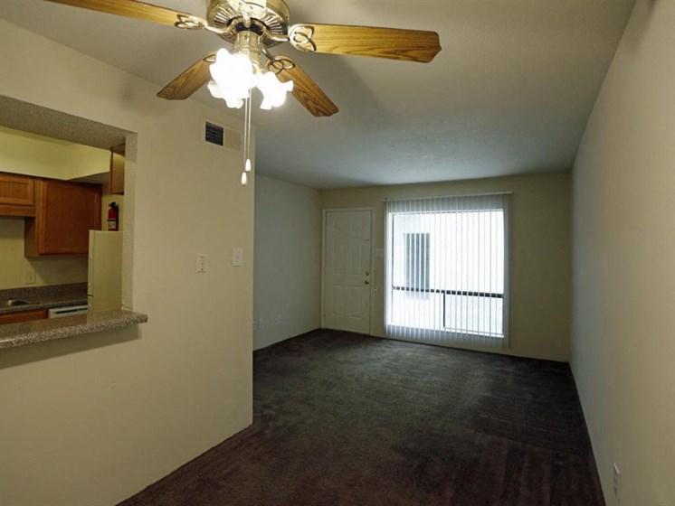Ceiling Fan, Window In Living Room at Carelton Courtyard, Galveston, TX