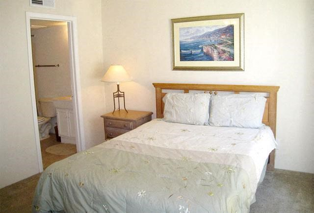 Comfortable Bedroom at Carelton Courtyard, Texas