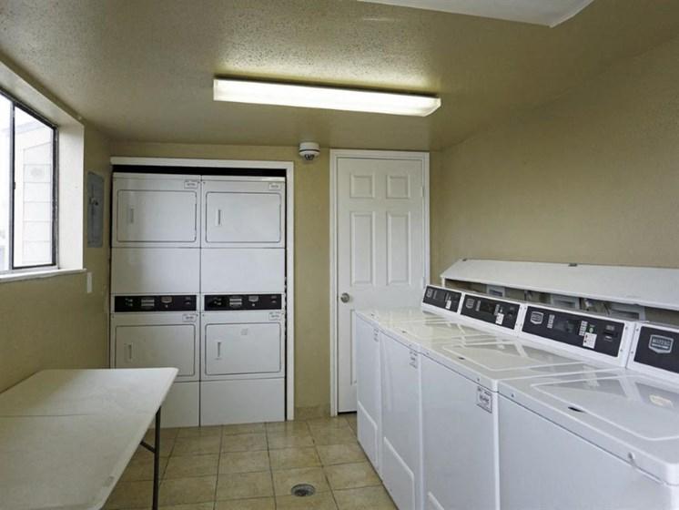 Modern Laundry Room at Carelton Courtyard, Texas, 77550