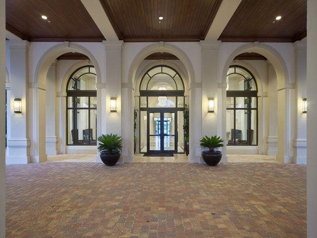 Grand Entry Porte-Cochere at Windsor at Doral,4401 NW 87th Avenue, 33178