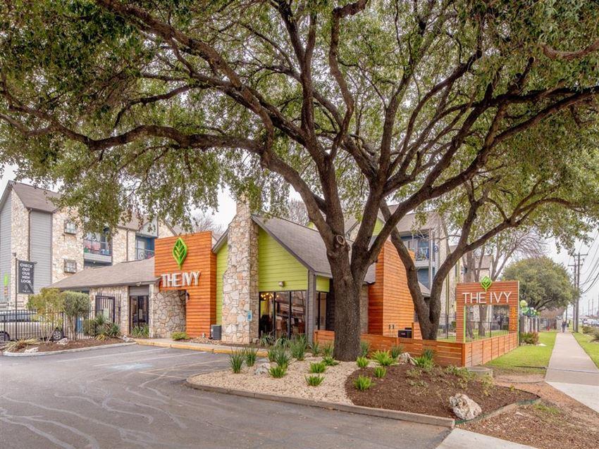 Elegant Exterior View at The Ivy, Austin