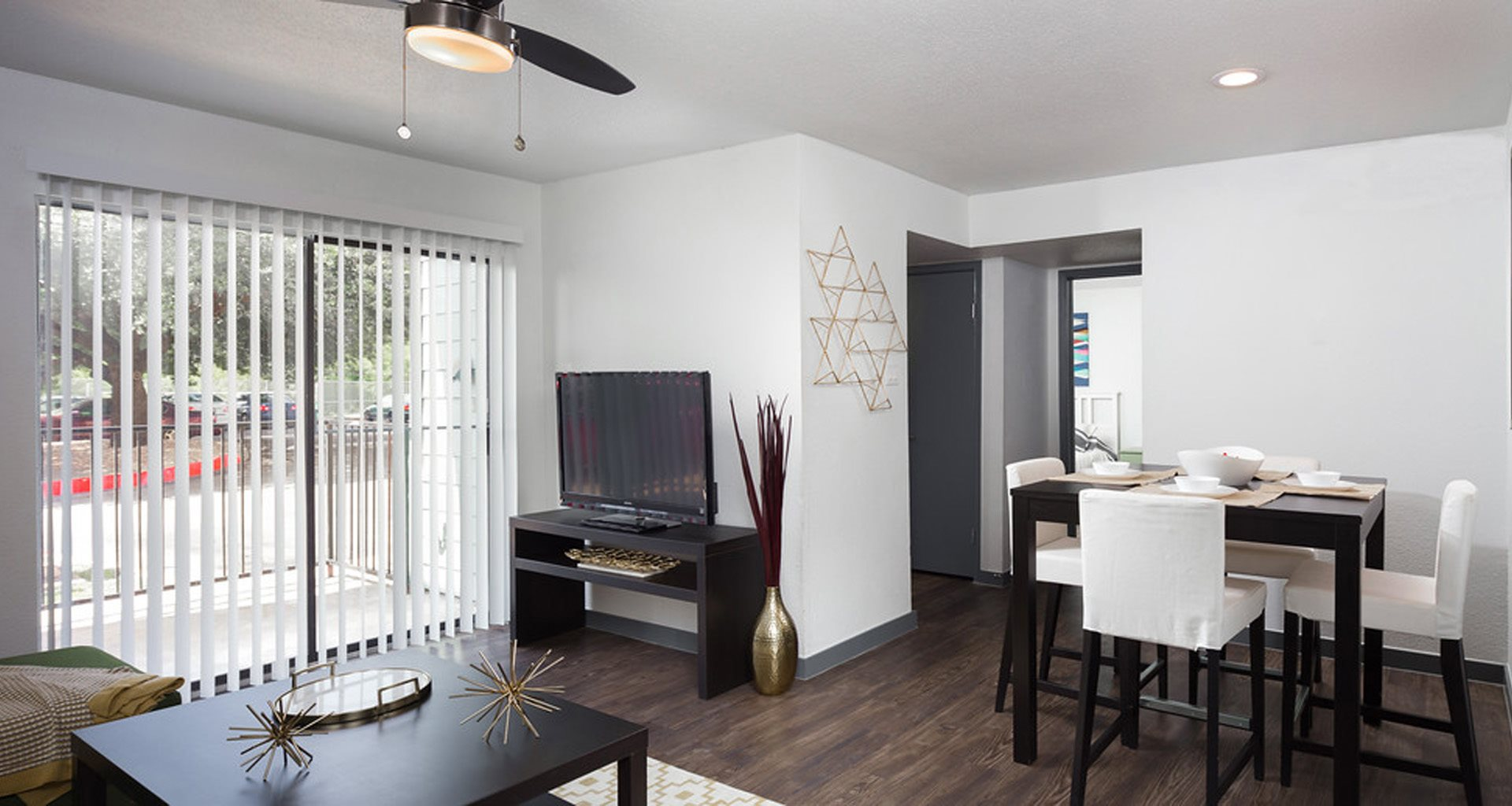 The Ivy | Apartments in Austin, TX