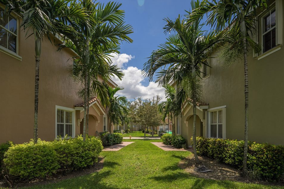 Executive Building View, Palm Breeze at Keys Gate Homestead, FL 33035 near Kendall