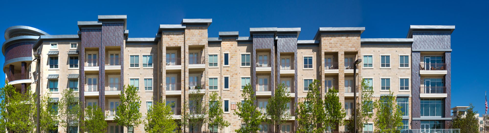 Fountain Pointe Las Colinas offers beautiful one, two or three bedroom apartments