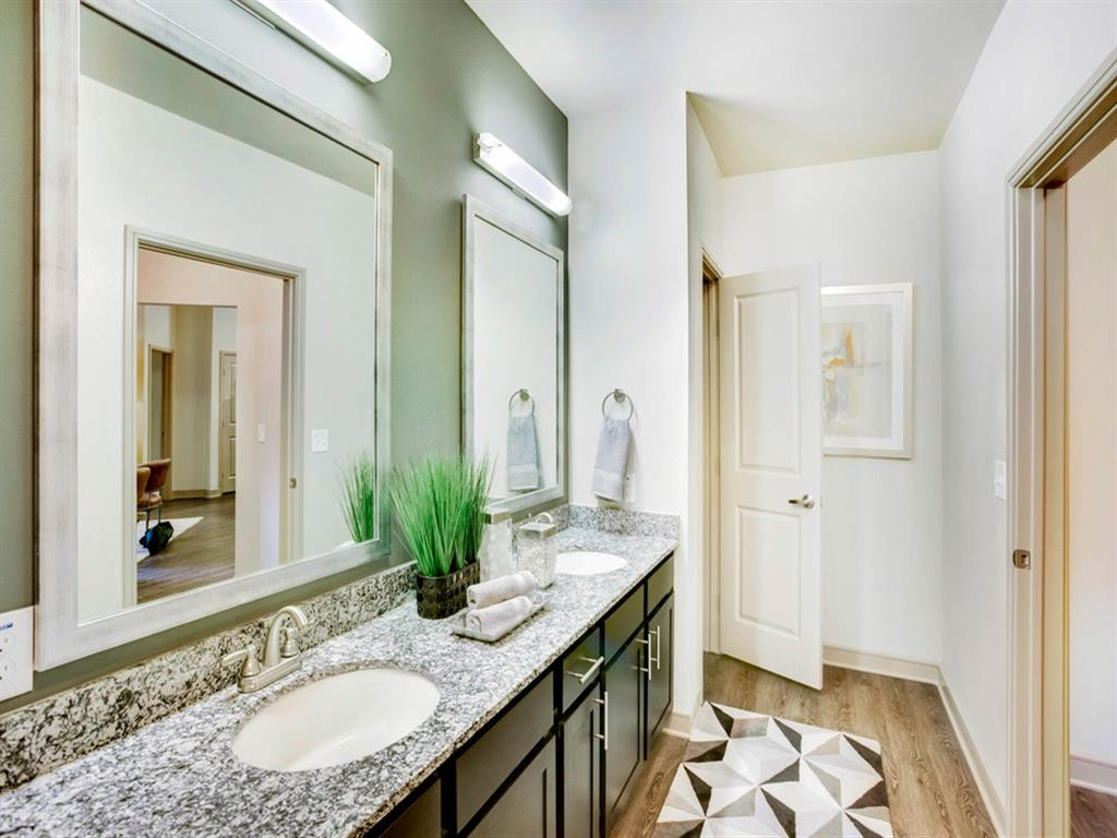 Fountain Pointe Las Colinas photogallery 9