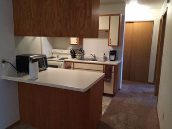 614 Bridge St W 1-3 Beds Apartment for Rent Photo Gallery 1